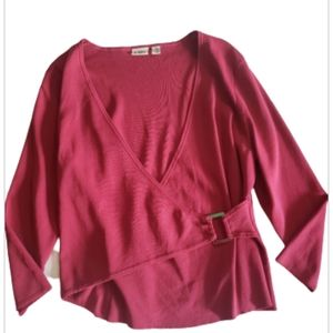 Cato burgundy top with silver buckle on the side